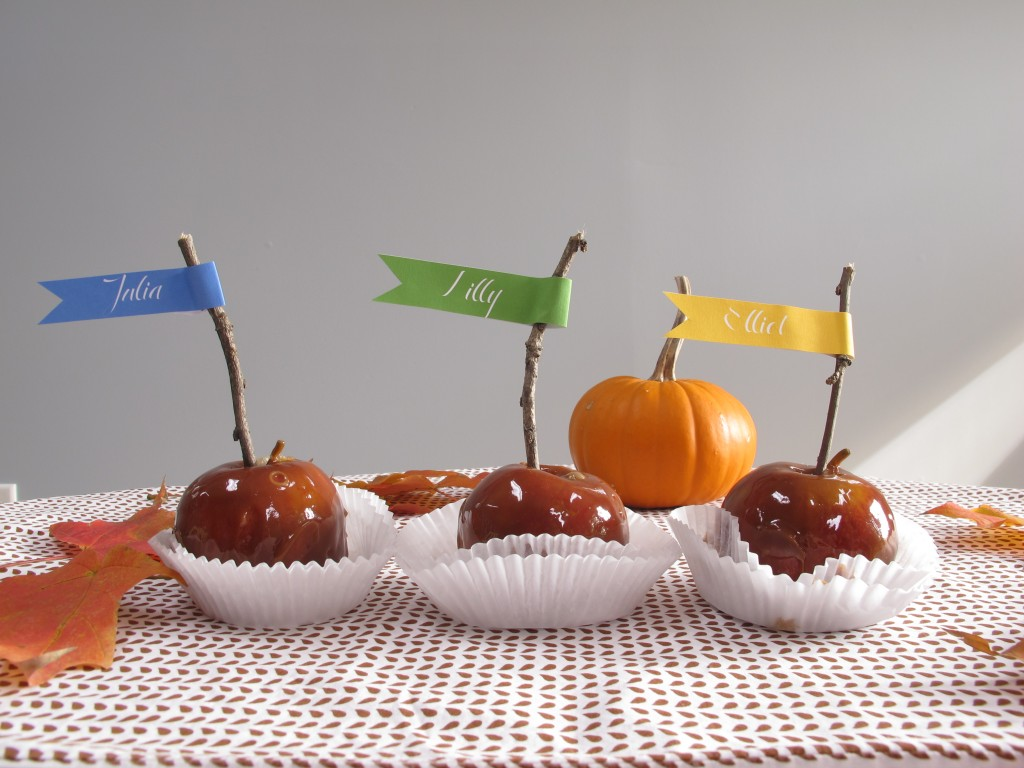 Thanksgiving Table Caramel Apple Place Tags