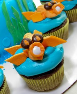 Kissing Fish Bridal Shower: Cupcakes